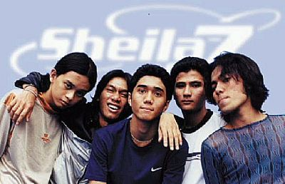 Lirik Lagu Kita - Sheila on 7 dari album kisah klasik untuk masa depan, download album dan video mp3 terbaru 2018 gratis