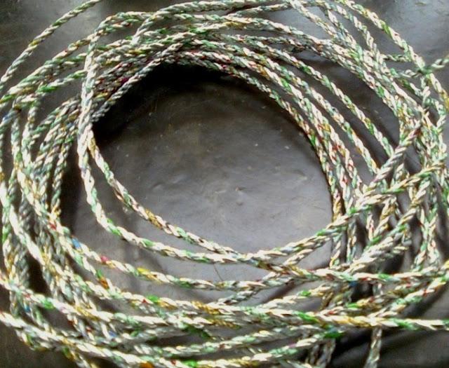 Tali Jemuran dari Sampah Plastik