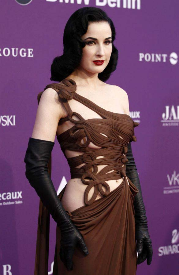 2faa7d6488b My Wonder Book  Two dress to Dita Von Teese  dress navy blue vs. chocolate  creation Jean Paul Gaultier