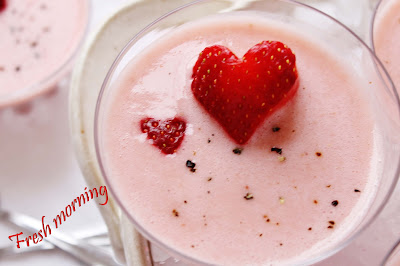 Candy-Strawberry-milh-shake-u-feel-fresh