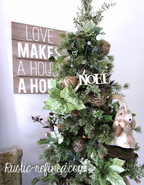 Christmas Decor for the Entryway