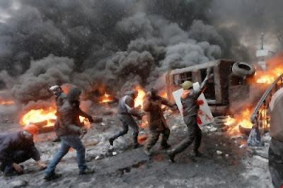 la-violencia-en-las-calles-por-manifestantes-encapuchados