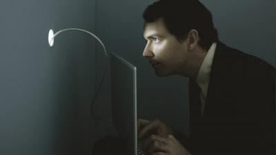 http://pplware.sapo.pt/informacao/portugal-tem-espioes-em-bancos-financas-e-operadoras/#.V0L6ar5-M2U.facebook