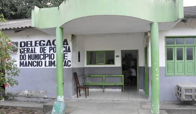Em Mâncio Lima, a policia apreende um adolescente e prende três pessoas, envolvidas em diversos crimes;