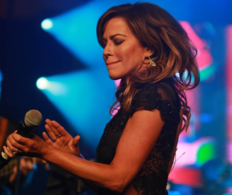 Robin Meade Blog Robin Meade Singing Performance Pictures