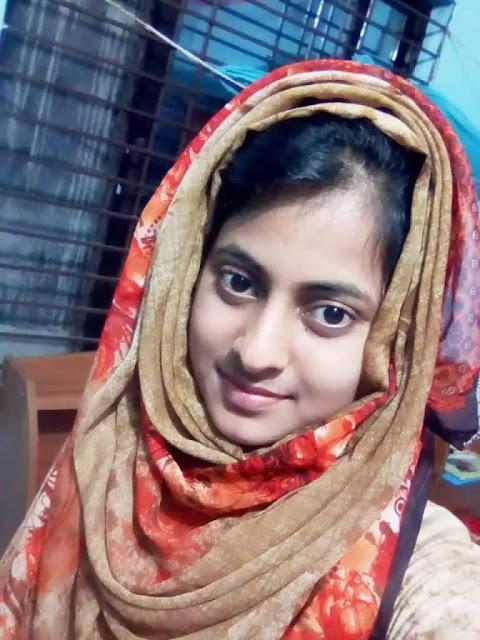 Bangladeshi Married Horny Girl Nudes