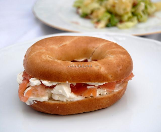 Bagels con Queso Crema y Salmón Ahumado