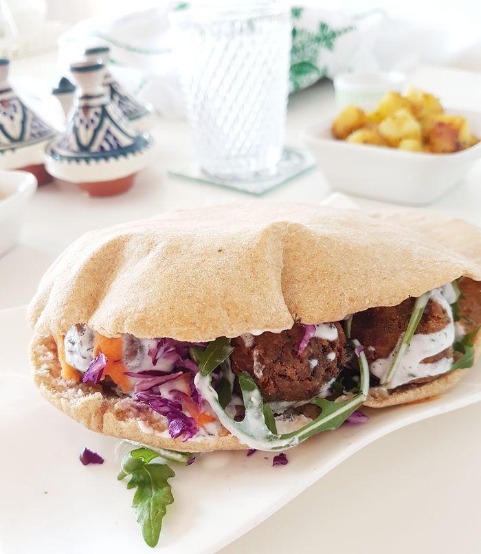 pain libanais, recette facile, boulange maison, pain libanais maison, pain oriental, cuisine, food, recette de cuisine, fait maison, diy, do it yourself, oriental, liban, vegan, vegetarien, végétalien, recette végétalienne, blé complet, blog cuisine, foodblog, falafels maison