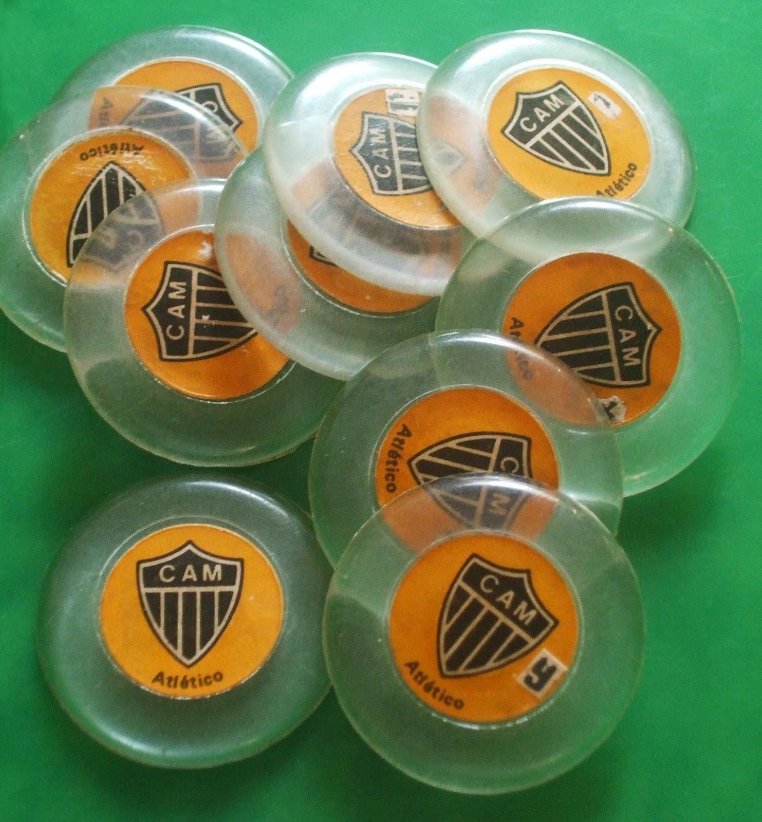 26392af9fffad Futebol de botão Gulliver Cristal  destaque para o 9 do artilheiro Reinaldo