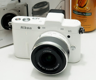 Mirrorless Bekas - Nikon 1 V1 Fullset + kit 10-30mm