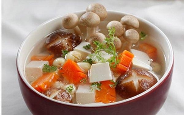 Một số món ăn lạ miệng được chế biến từ nấm linh chi