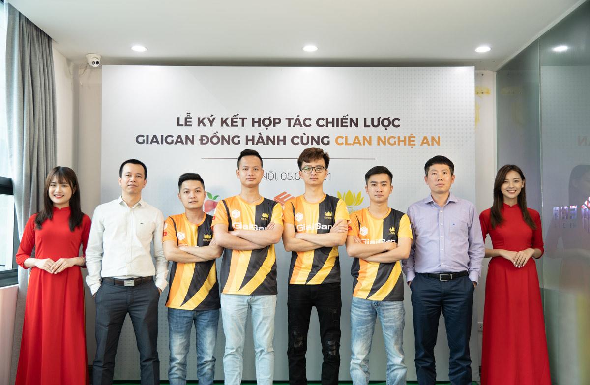 Lễ ký kết hợp tác tài trợ đồng hành của GiaiGan và Team Nghệ An