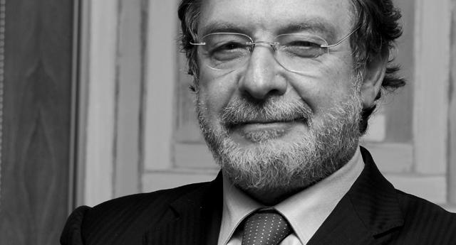 Cebrián presenta la primera demanda por su vinculación con los Papeles de Panamá