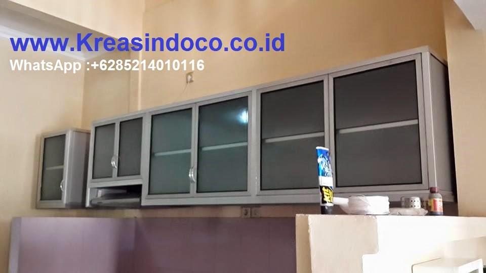 Tren Kitchen Set Dengan Bahan Metal Atau Aluminium Composite Panel