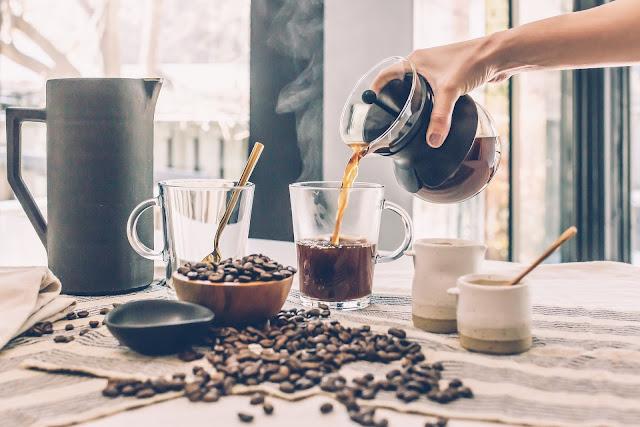 proses penyaringan kopi