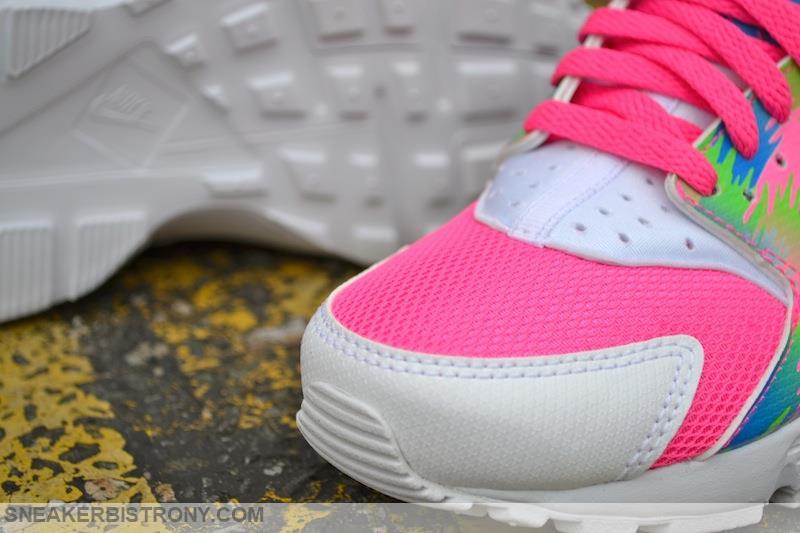 SNEAKER BISTRO - Streetwear Served w  Class: Nike Huarache Run ...
