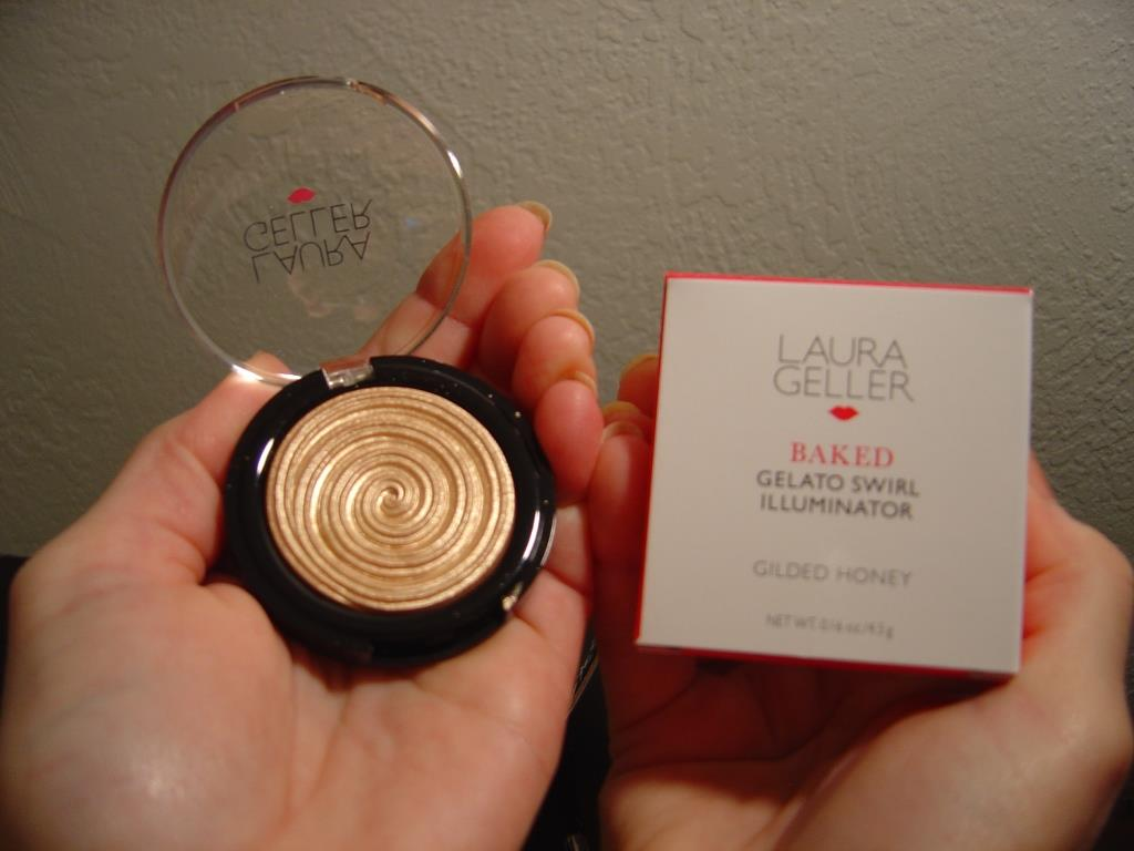 Laura Geller Baked Gelato Swirl Illuminator (Gilded Honey)