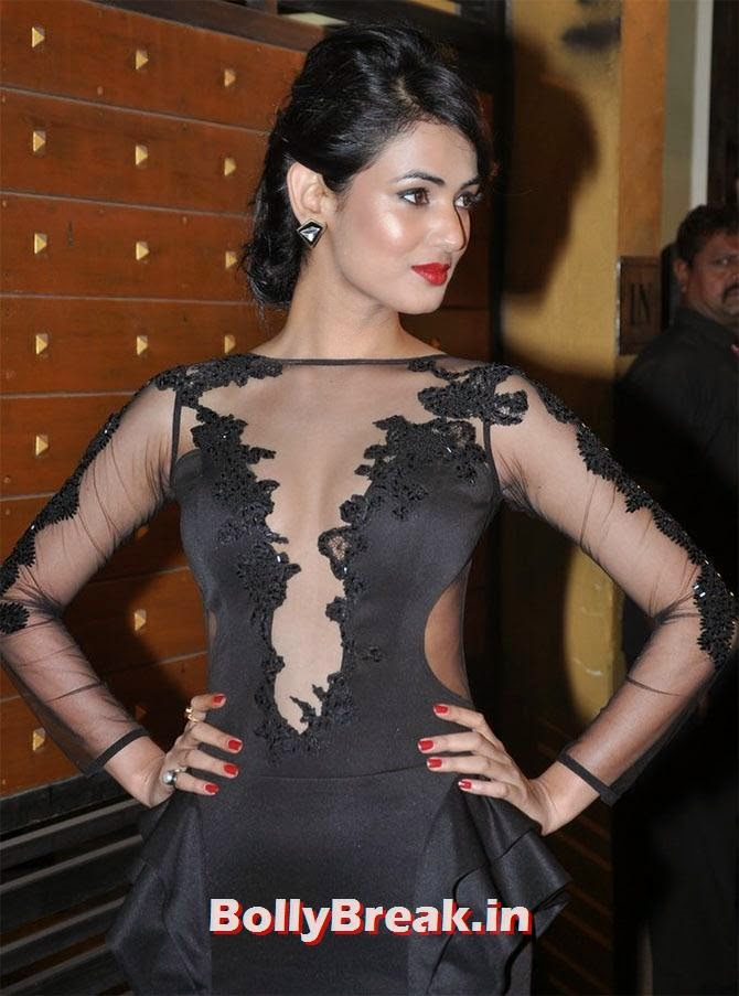 Sonal Chauhan in lace dress, Pics of Bollywood Actresses in Lace Dresses - who looks the Hottest?
