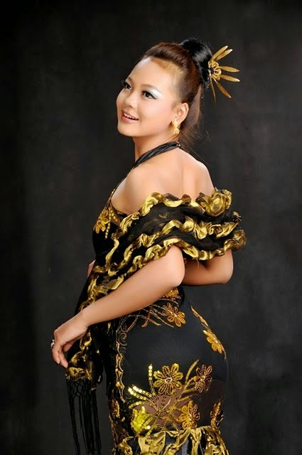 10 Best Selection of Nang Khin Zayar in Myanmar Dress Photos