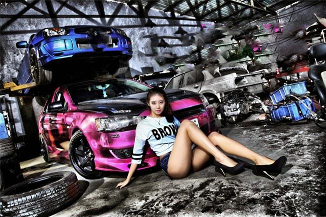 Hot Girl in Garage