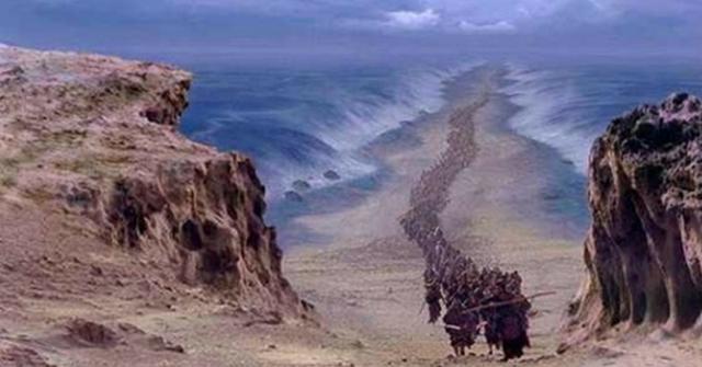 ARQUEÓLOGOS: Exército egípcio é encontrado no fundo do Mar Vermelho
