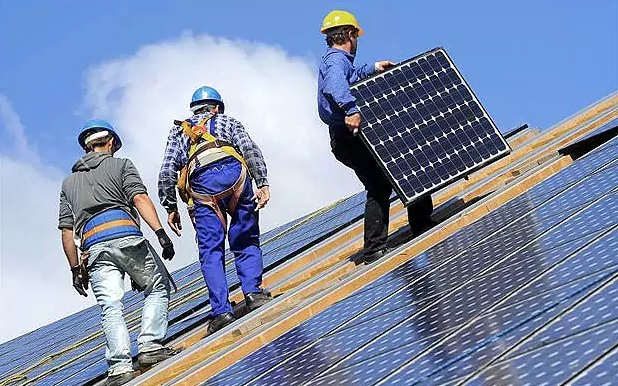 الخلايا الشمسية و توليد الكهرباء اشعة الشمس