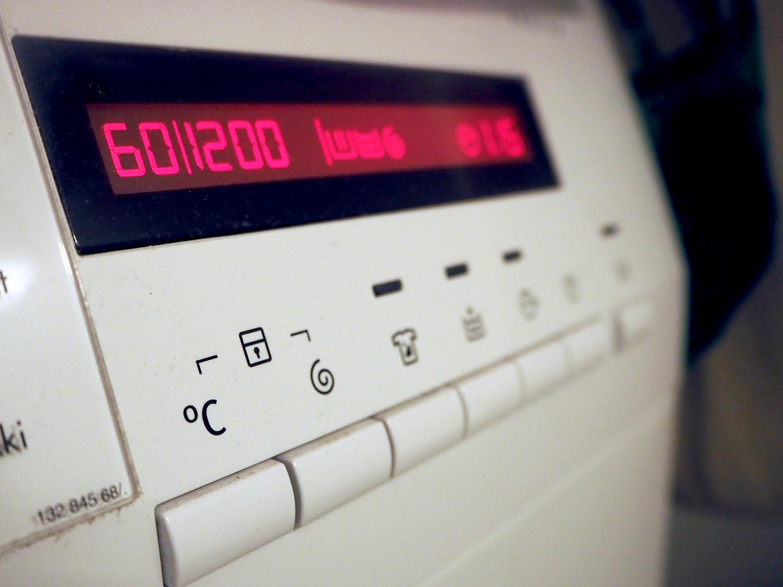 Pyykkikoneen ajastus-toiminto auttaa arjessa.