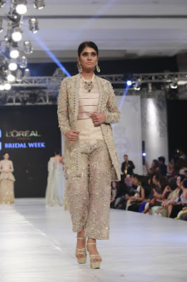 saira-shakira-designer-bridal-dresses-zohra-collection-at-pblw-2016-16