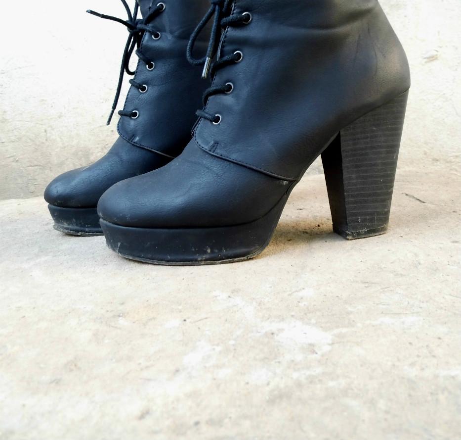 botas negras grunge de mujer