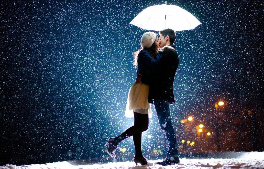 Romantic couple images in rain hd 30 rain couple wallpapers pics couple in the rain kissing each other passionately very cute altavistaventures Image collections