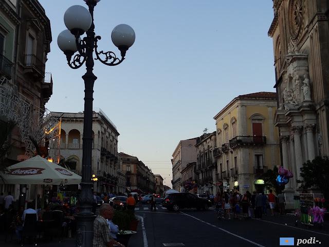 Acireale, incrocio corso Umberto I, corso Savoia e piazza del Duomo