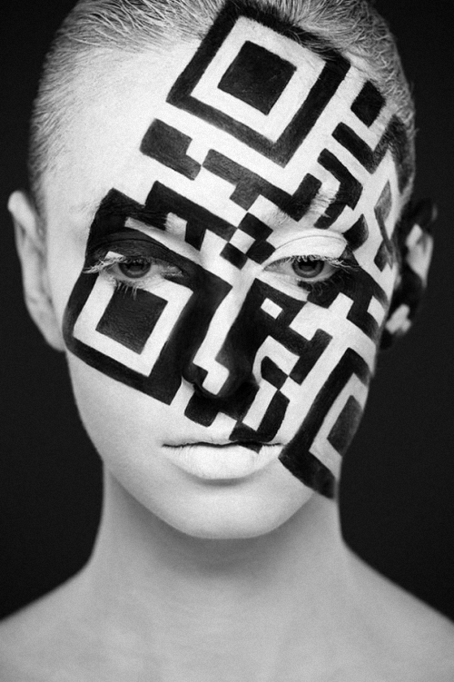 06-Alexander-Khokhlov-Black-&-White-Face-Painting-Photography