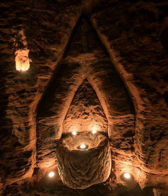 Lubang Arnab Bawa Kepada Rangkaian Gua Rahsia Knight Templar Yang Berusia 700 Tahun