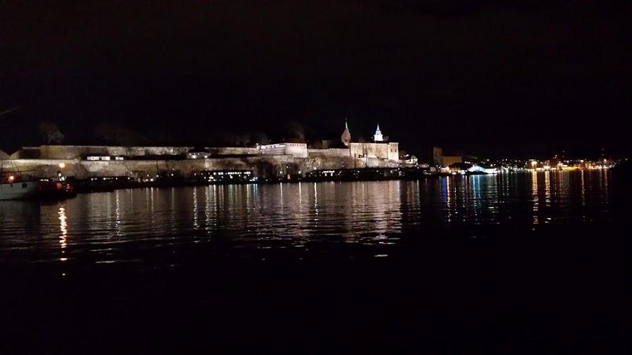 paseo-nocturno-Oslo-capital-noruega