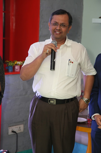 Mr. Unnat P. Pandit - OSD to Commerce and Industry Minister-min