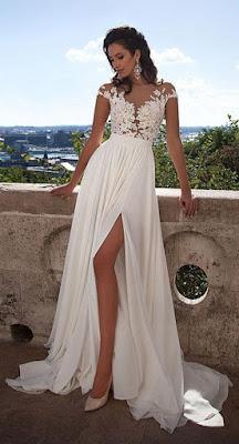 Vestido de Noiva Manga Curta e Apliques