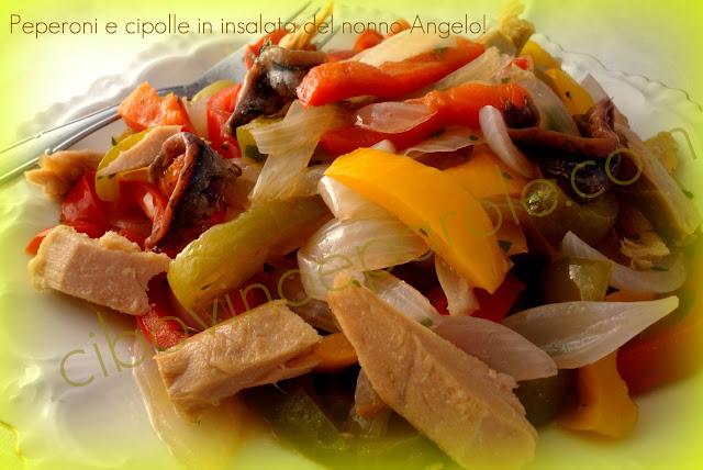 Peperoni e cipolle in insalata