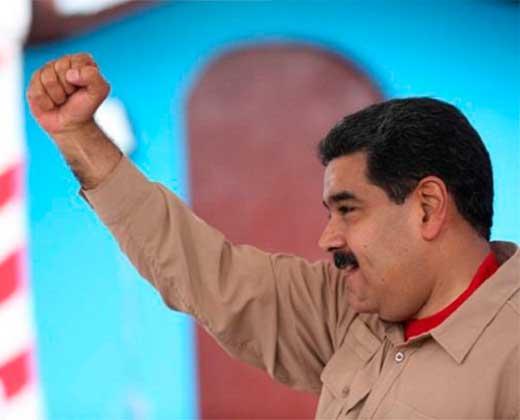 ¡QUIERE SE EL HÉROE! Maduro: Actué rápido, resolví y pudimos superar la controversia entre el TSJ y el MP