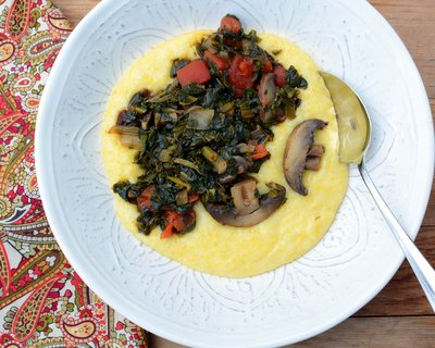 Greens & Grits, another vegan Quick Supper ♥ KitchenParade.com, just quick-cooked grits with a skillet of spinach or other leafy greens plus mushrooms, tomato and a touch of chipotle in adobo sauce. High Protein. Gluten Free. Weight Watchers Friendly.