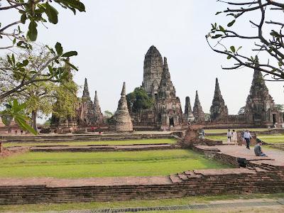 Wat Chaiwattanaram,  Ayuttayah, Tailandia, La vuelta al mundo de Asun y Ricardo, vuelta al mundo, round the world, mundoporlibre.com