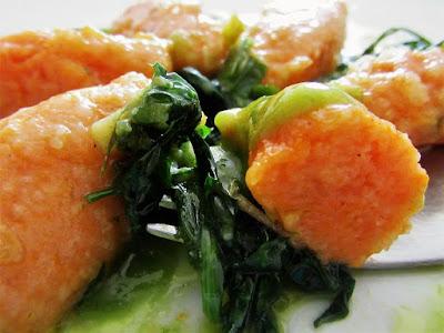 Valjušci od bundeve s divljim zeljem / Pumpkin dumplings with wild herbs