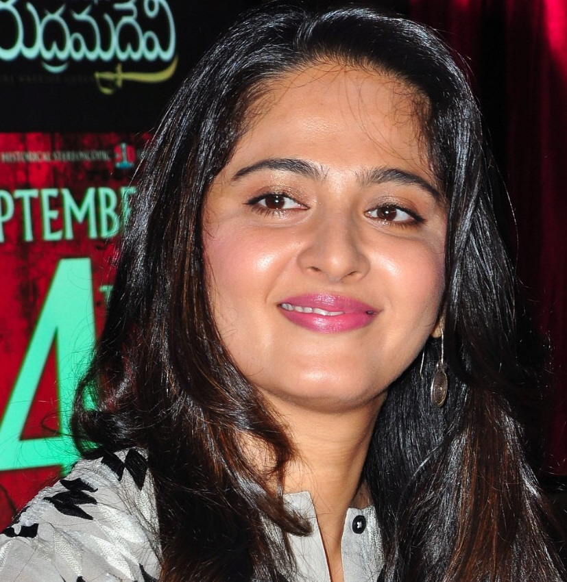 Anushka Shetty Spicy Smiling Chubby Cheeks Face Close Up