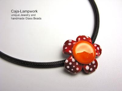 rot-orange Daisy Bluete