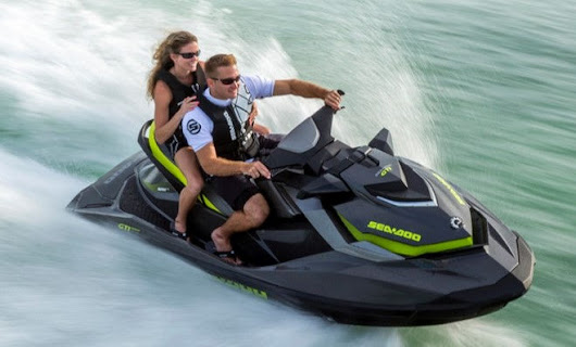 3 Reasons to Rent a Jet Ski from BomBay Boat Rental Company!