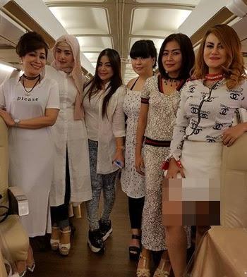 10 Foto 'Yulia Mochamad' yang Cantik Abis, Istri Ketiganya Opick?