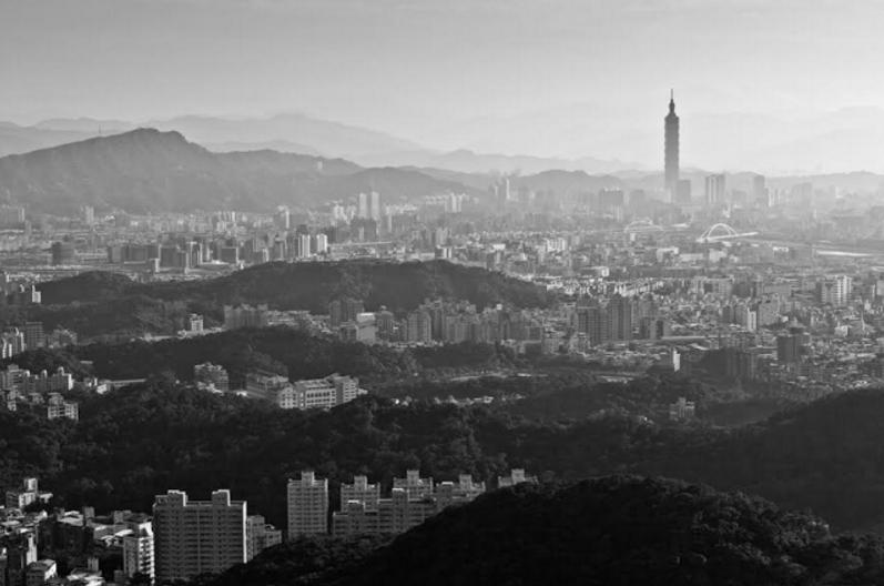 [2016 Hack Taiwan] 台灣面臨的兩大焦慮:民主失靈、經濟轉型困頓