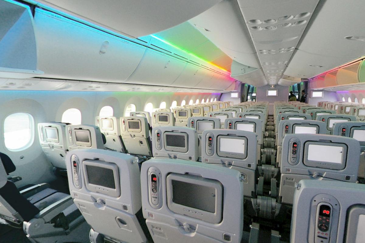 Air europa introduce boeing 787 dreamliner en ruta santo for Interior 787 air europa