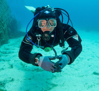 diver showing buoyancy and trim