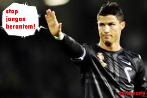 Dek Santi Cristian Ronaldo Vs Lionel Messi In Funny Pictures Collection Of Football Player