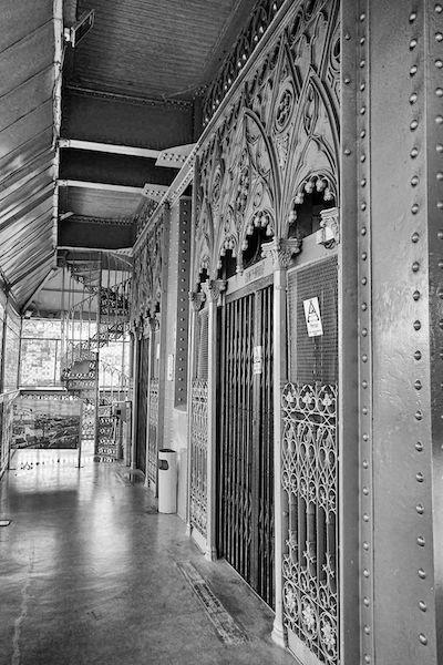 レトロなサンタ・ジュスタのエレベーター